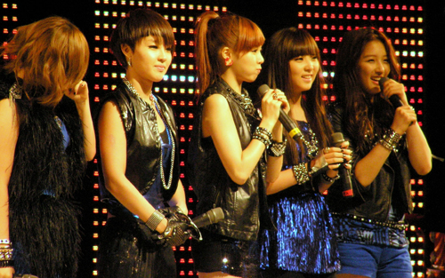 http://www.nwasianweekly.com/wp-content/uploads/2013/32_02/songs_4minute.JPG