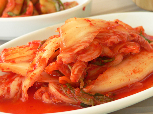 http://www.nwasianweekly.com/wp-content/uploads/2013/32_03/health_kimchi.jpg