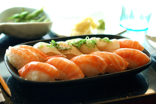 http://www.nwasianweekly.com/wp-content/uploads/2013/32_03/health_sushi.jpg
