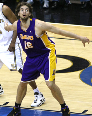 http://www.nwasianweekly.com/wp-content/uploads/2013/32_51/sports_gasol.jpg