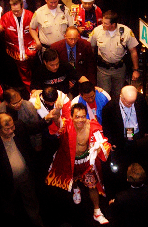http://www.nwasianweekly.com/wp-content/uploads/2013/32_51/sports_pacquiao.jpg