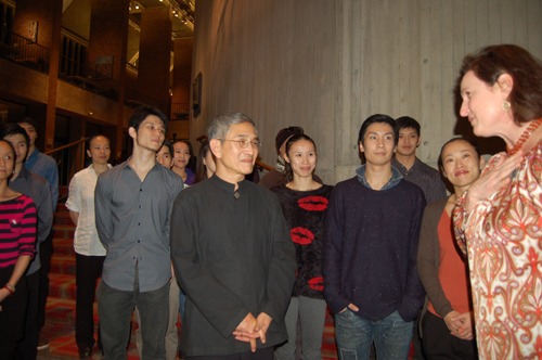 http://www.nwasianweekly.com/wp-content/uploads/2014/33_14/names_cloudgate.jpg