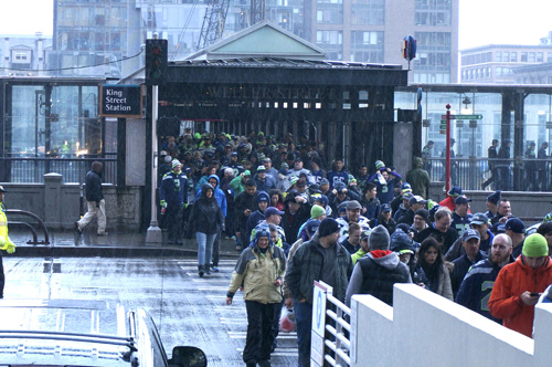 http://www.nwasianweekly.com/wp-content/uploads/2015/34_05/front_seahawks2.jpg