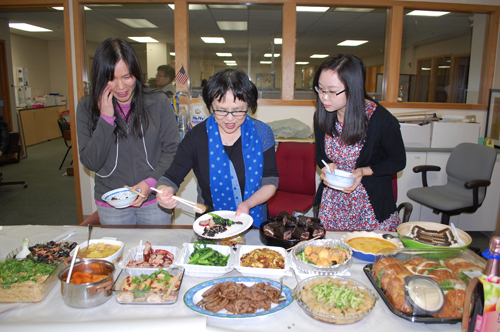 http://www.nwasianweekly.com/wp-content/uploads/2016/35_01/blog_potluck.JPG